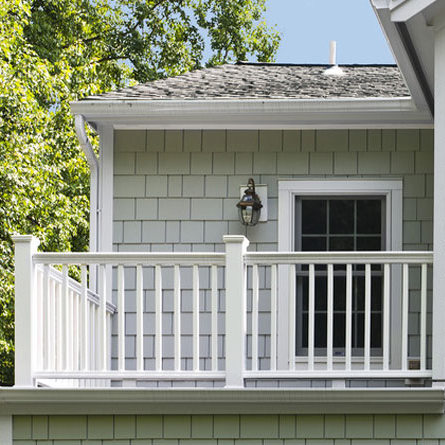 hardieshingle-siding-in-straight-edge-panel-home-2