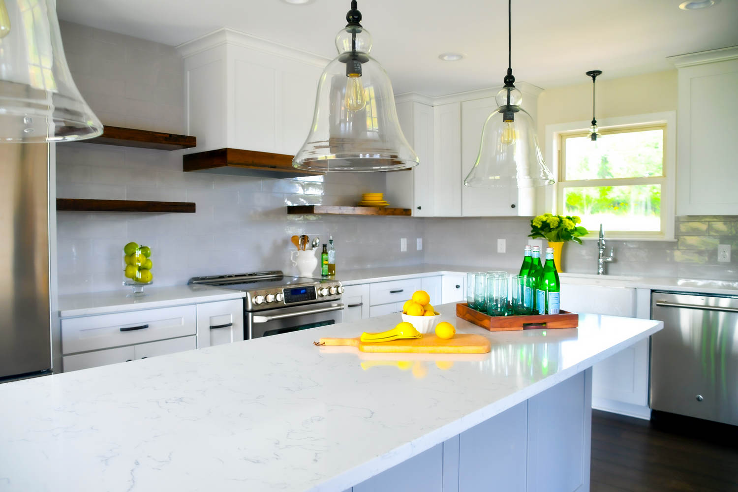 bright-kitchen-in-a-new-home-with-open-concept-lay-UP3F48V